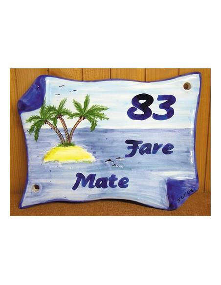 Plaque de Maison en faience modèle parchemin motif artisanal ilot et cocotiers + inscription personnalisée