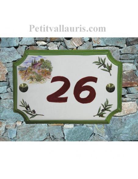 Plaque de Maison en céramique aux angles incurvés motif cabanon et olivier inscription personnalisée rouge