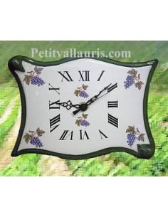 Horloge forme parchemin décor Grappe de raisin