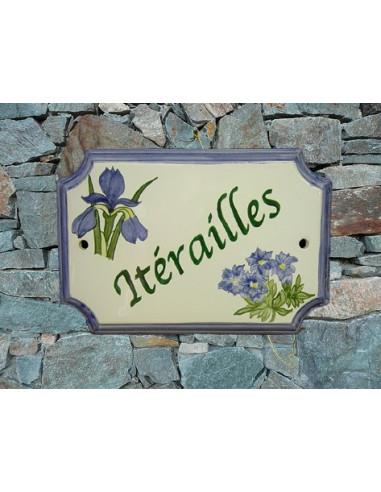 Plaque de Maison rectangle décor et texte personnalisés iris et gentiane inscription verte bord bleu