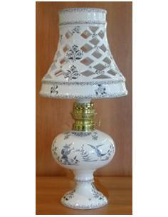 Lampe bec à pétrole avec abat-jour décor Tradition Vieux Moustiers bleu