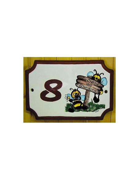 Plaque en céramique aux angles incurvés motif artisanal abeilles BD + inscription personnalisée