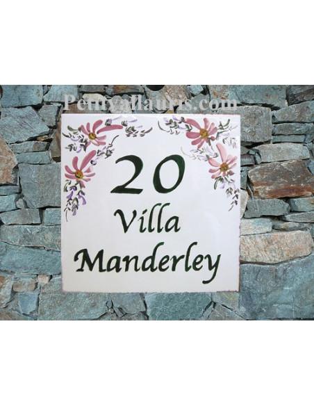 Grande plaque de maison en céramique modèle carrée motif artisanal fleurs roses inscription personnalisée