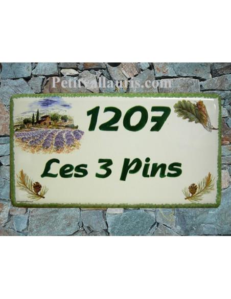 Plaque de Maison rectangle en céramique décor mas provençal cigale et pommes de pin + inscription personnalisée