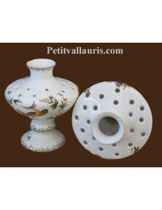 Pique fleurs en faience blanche modèle sur pied décor reproduction moustiers polychrome
