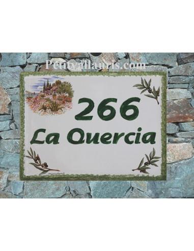 plaque de maison céramique décor bastide provençale et brins d'olivier inscription horizontale verte