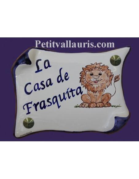 Plaque de Maison en faience modèle parchemin motif artisanal lion stylisé + inscription personnalisée