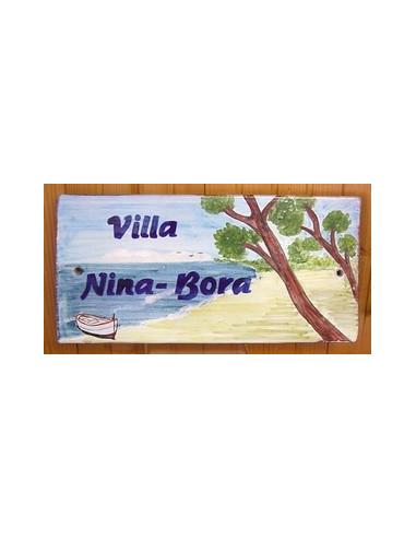 Plaque de Maison rectangle décor personnalisé plage corse avec canot pointu inscription bleue