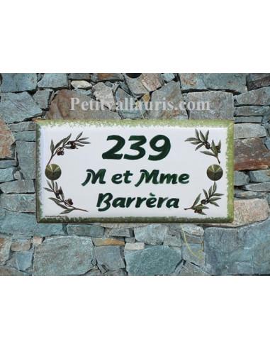 Plaque de maison faience émaillée décor brins d'olives inscription personnalisée verte