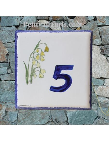 Plaque numéro de Maison en faience motif brin de muguet inscription personnalisée chiffre bleu
