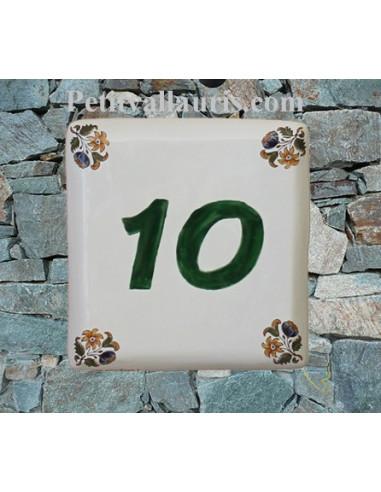 Numéro de maison décor fleurs tradition vieux moustiers