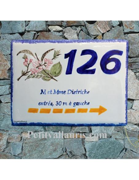 Plaque de maison en faïence émaillée motif Fleurs d'amandier + inscription personnalisée