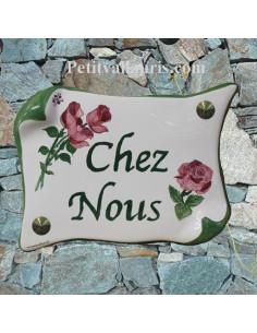 Plaque de Maison parchemin décor personnalisé roses inscription vertes