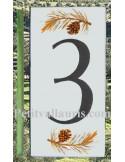 Numero de rue chiffre 3 décor branche et pigne de pin