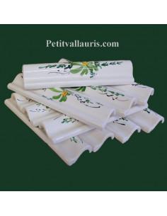 Listel modèle corniche en faience blanche de fabrication française motif artisanal fleurs fleurs vertes