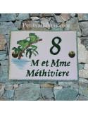 plaque de maison céramique personnalisée décor rainettes inscription couleur verte