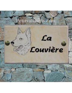 Plaque personnalisée de maison en céramique décor chien loup