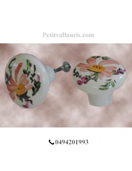 Bouton de tiroir en porcelaine blanche pour mobilier décor artisanal fleurs saumon-beige (diamètre 42 mm)