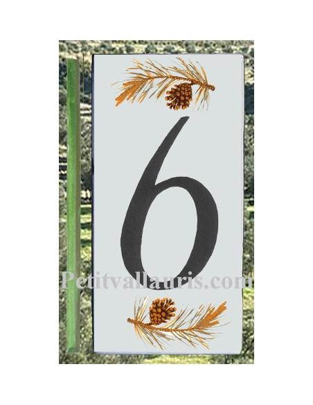 Numero de rue chiffre 6 décor branche et pigne de pin