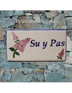 Plaque de Maison rectangle décor personnalisé les lilas inscription bleue