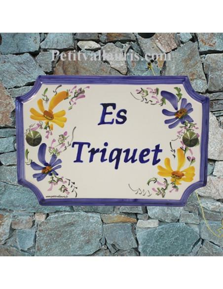 Plaque de Maison rectangle décor fleurs bleues et jaune orangé inscription personnalisée bleue