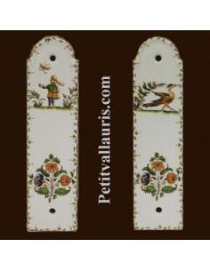 Demi plaque décorative en porcelaine blanche motif oiseau, personnage ou fleurs polychrome