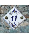 Numéro de rue ou de maison décor fleurs bleues pose diagonale
