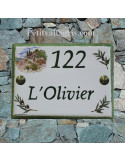 plaque de maison céramique décor bastide provençale et brins d'olivier inscription et bord vert