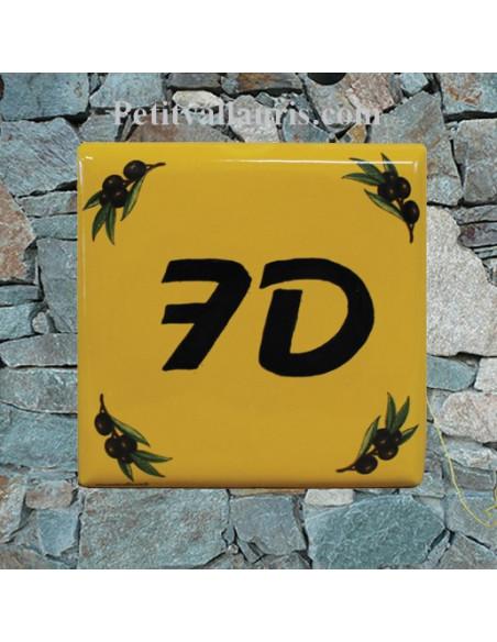 Plaque numéro de maison en faience émaillée motifs olives noires fond jaune provençal + chiffre personnalisé noir