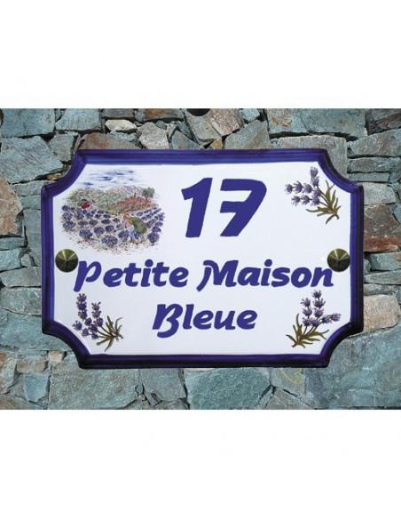 Plaque de Maison en céramique aux angles incurvés motif récolte des lavandes et brins de lavande + inscription personnalisée