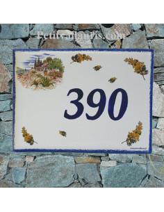 plaque de maison céramique décor bastide provençale et brins de mimosas inscription bleue