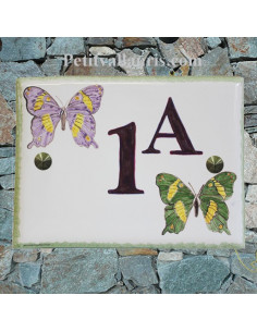 plaque de maison céramique personnalisée décor papillons