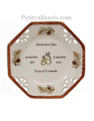 Assiette de Mariage personnalisée octogonale petit modèle décor pommes de pin