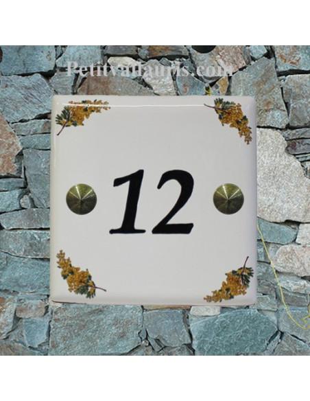 Plaque numéro de maison en faience émaillée motif brins de mimosas + chiffre personnalisé noir