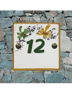 Numéro de rue ou de maison décor fleurs jaunes et vertes pose horizontale