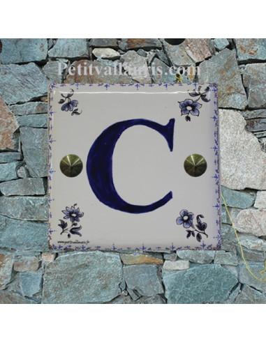 Lettre sur plaque de maison décor tradition vieux moustiers bleu