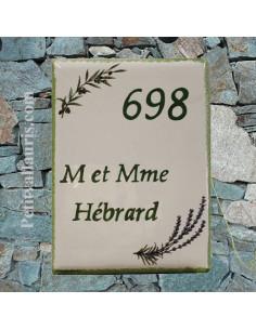 plaque de maison céramique décor brins d'olivier et de lavande inscription verte