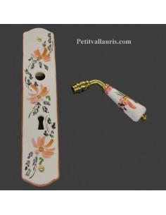 Plaque de propreté avec poignée en porcelaine blanche modèle avec orifice clé motif artisanal fleurs beiges-saumons