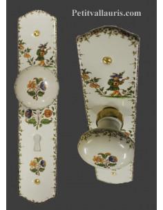 Plaque de propreté avec poignée ronde en porcelaine blanche avec orifice pour clé motifs polychrome