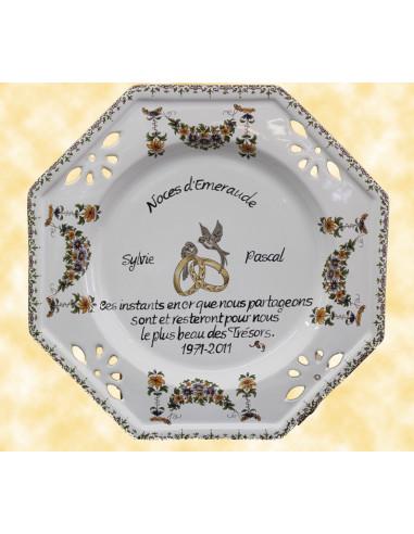 Assiette de Mariage octogonale décor tradition vieux moustiers avec poème noces d'emeraude