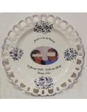 Assiette de Mariage modèle Tournesol avec photo encadrement filet bleu décor tradition vieux moustiers bleu