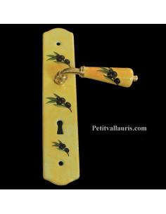 Plaque de propreté avec poignée en porcelaine couleur jaune provençal décor Olives noires modèle avec orifice pour clé