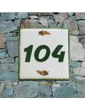 Numéro de rue ou de maison décor brins de mimosas pose horizontale
