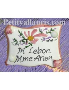 Petite plaque de porte modèle parchemin décor fleurs roses + gravure personnalisée