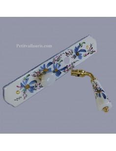 Plaque de propreté avec poignée en porcelaine modèle fermeture avec verrou condamnation motif artisanal Fleurs bleues