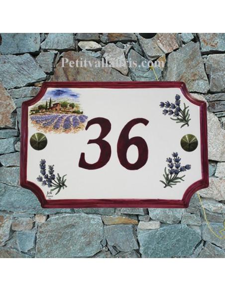 Plaque de Maison en céramique aux angles incurvés motif récolte des lavandes et brins de lavande inscription personnalisée