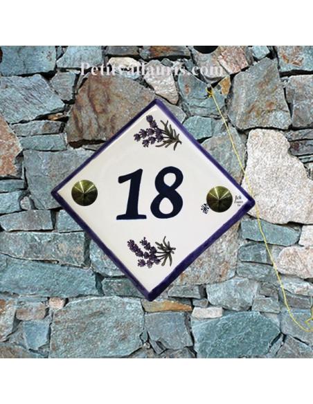 Numéro de rue ou de maison décor brins de lavande chiffre bleu pose diagonale