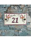 Plaque de maison faience émaillée fleurs roses inscription personnalisée rose_prune