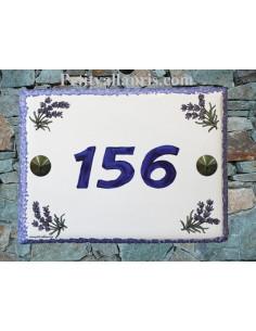 plaque de maison céramique décor brins de lavande inscription horizontale bleue