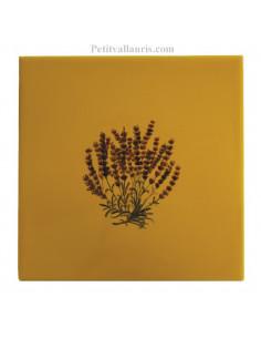 Carreau décor bouquet de lavande sur carreau 15 x 15 cm couleur jaune-miel provençale